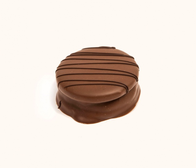Milk Chocolate Alfajor 2
